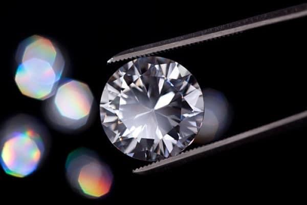 цвет бриллианта
